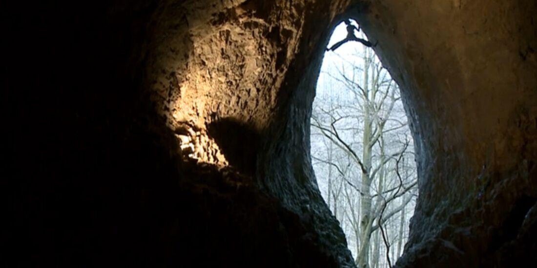 KL Adam Ondra climbing a few forgotten 9a routes TEaser