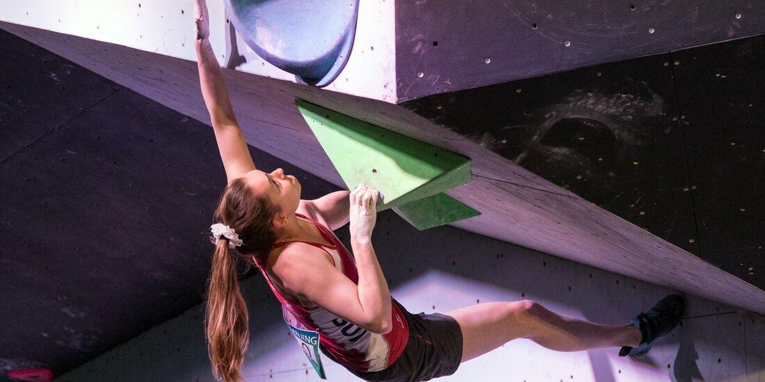 KL Andrea Kümin hat ihre Kraft gut eingeteilt beim Boulder-Weltcup in Tokio 2017