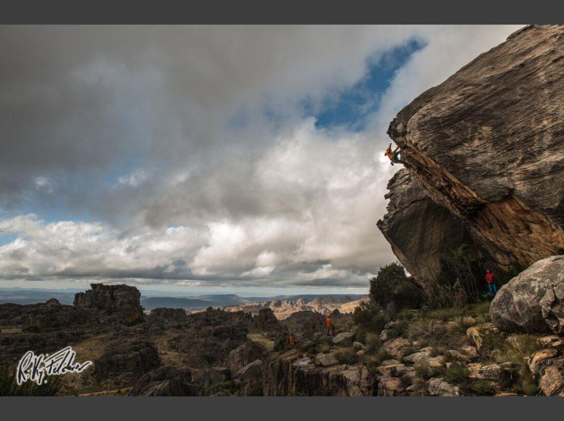 KL-Bouldern-Rocklands-Suedafrika-James-Pearson-Caroline-Ciavaldini-sneaky-Tuna-8b (jpg)