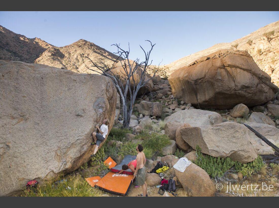 KL-Bouldern-in-Namibia-c-Jean-Louis-Wertz-jlw-namibia14-3593 (jpg)