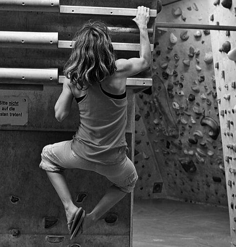 KL-Bouldertraining-Campusboard-Training-Kstermeyer171 (jpg) Klettertraining am Campusboard Sarah