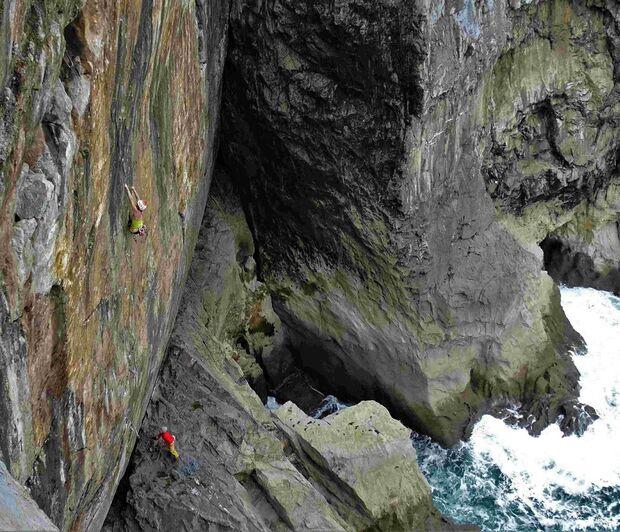 KL Florence Pinet & Gerome Pouvreau climbing Pembroke 2018