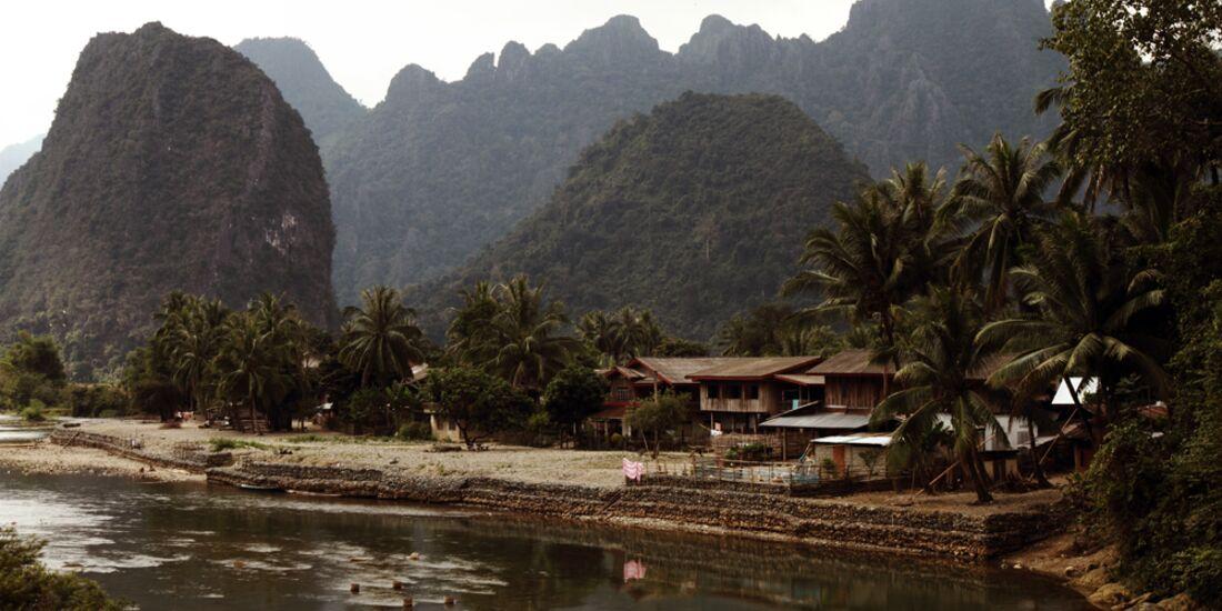 KL_Laos_Schoeffl_GrueneBerge (jpg)