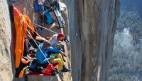 kl-alexandra-schweikart-free-el-capitan-good-morning-el-capitan-portaledge-on-el-corazon-c-johnny-ingrisch (jpg)