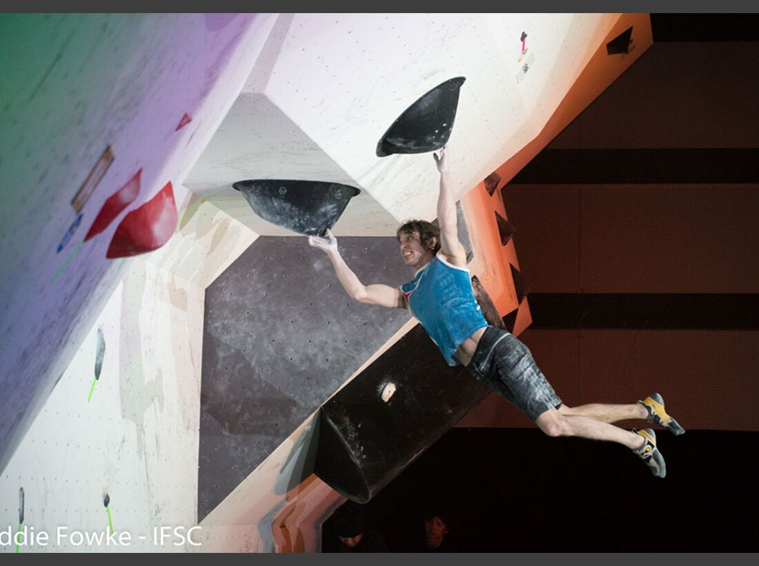 kl-bouldering-world-cup-kazo-2016_26622438715_o-dimitry-sharafutdinov (jpg)