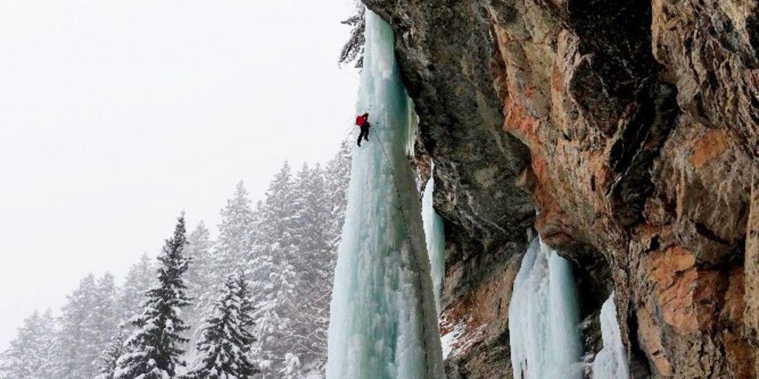 kl-eisklettern-_lucie-hrozovaice-climbing-in-Colorado-3 (jpg)