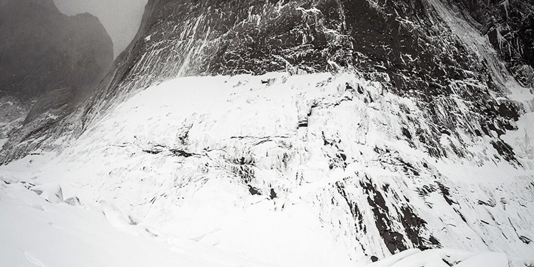 kl-ines-papert+mayan-smith-gobat-riders-on-the-storm-patagonia-c-thomas-senf-d219242 (jpg)