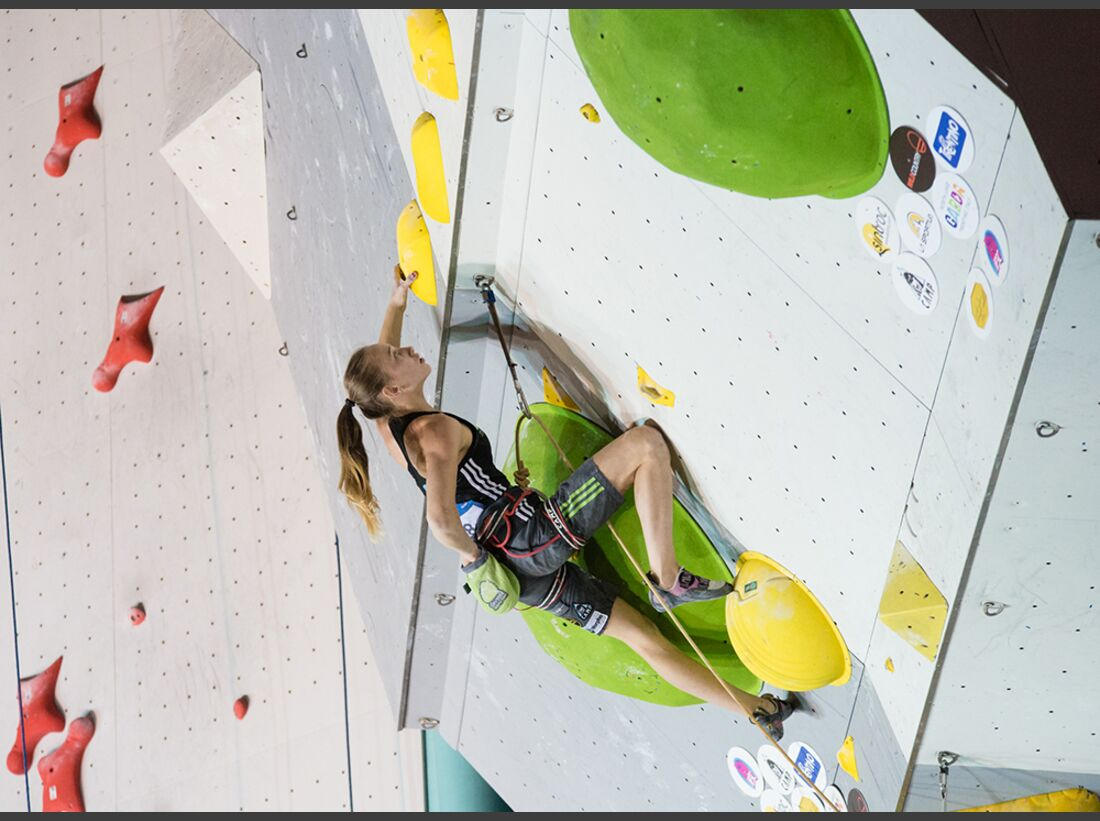 kl-lead-weltcup-ifsc-world-cup-arco-2016_29311380505_o (jpg)