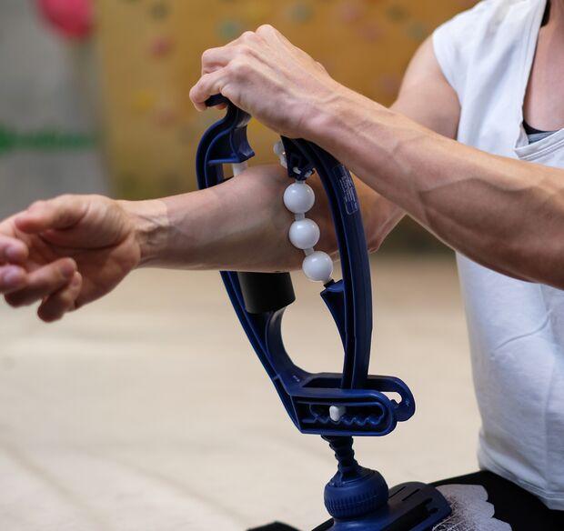 kl-massage-regeneration-klettern-bouldern-arm-aid-unterarm-tool (jpg)